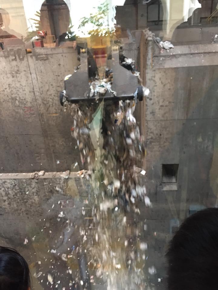 世田谷清掃工場の様子
