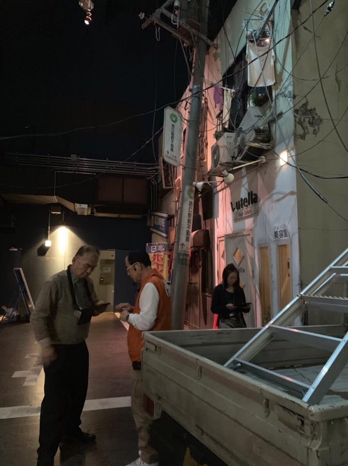 震災後の様子を再現したスタジオ