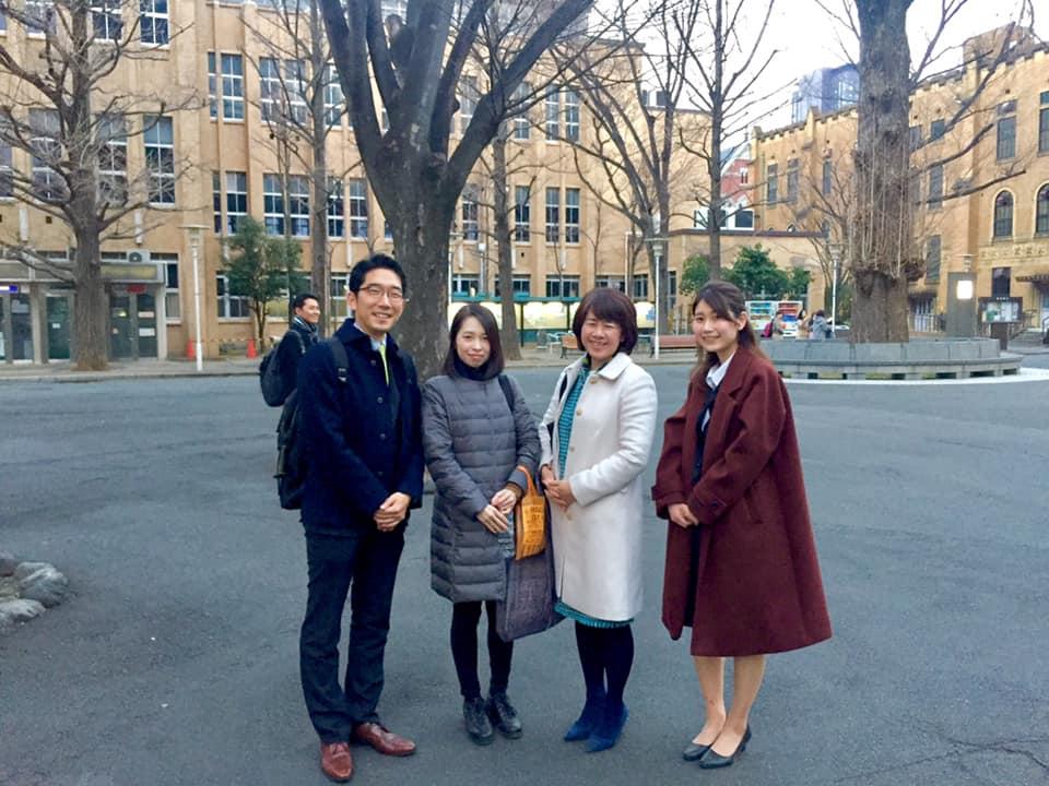 慶応大学にて